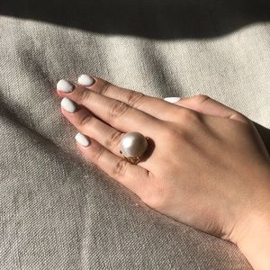 Jewelry - 14 yellow gold cultured mane pearl ring size 4.5